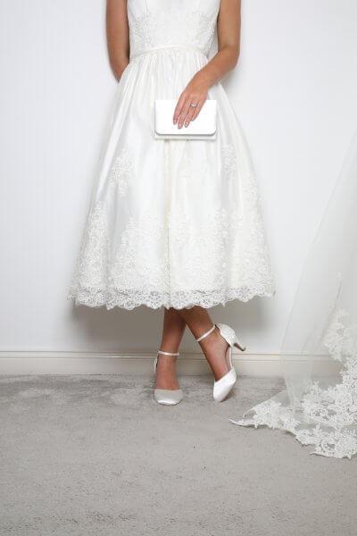 Laurel ivory dyeable satin bridal clutch bag